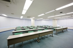 会議室6 35坪(前から)