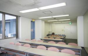 会議室5 14坪(前方から)