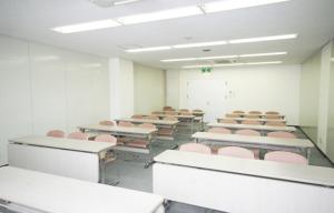 会議室7 20坪(前方から)